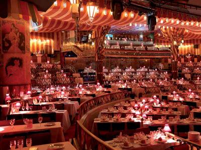Restauration au Moulin Rouge