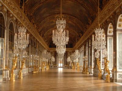 """Dans les pas du Roi Soleil avec la série """"Versailles"""""""