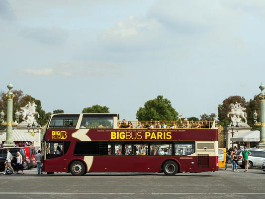 Big Bus Paris les Cars Rouges 2018